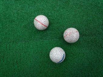丸の内倶楽部の練習場 ボール