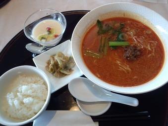 ゴルフ 丸の内倶楽部 四川飯店 陳健一の坦々麺