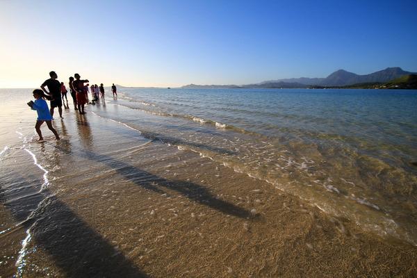 天国の海カネオヘサンドバー10年の水位 2014