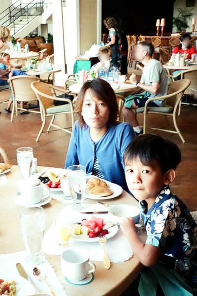 あのころハワイホテルのレストランで朝食 1