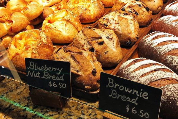 ハレクラニベーカリーの美味しいパンとケーキを全部見せます 16