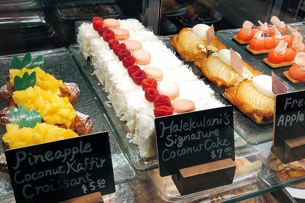 ハレクラニベーカリーの美味しいパンとケーキを全部見せます 17