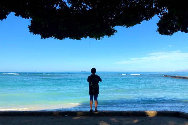 早朝のワイキキビーチを散歩すると気持ちがいい 2