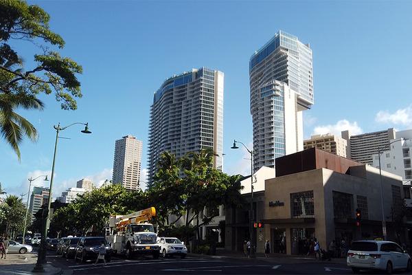 カラカウア大通りを歩く ロイヤルハワイアンセンター アイランドビンテージコーヒー インターナショナルマーケット リッツ・カールトン ヒルトングランドアイランダー 5