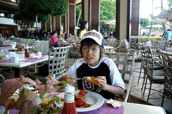 あのころハワイホテルのレストランで朝食 4