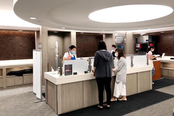 ホノルル空港 JALサクララウンジ本館  7