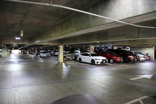 ヒルトンに泊まってハレコアの駐車場を利用する 6