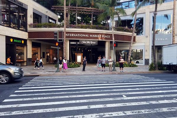 カラカウア大通りを歩く  ロイヤルハワイアンセンター アイランドビンテージコーヒー インターナショナルマーケット リッツ・カールトン ヒルトングランドアイランダー3