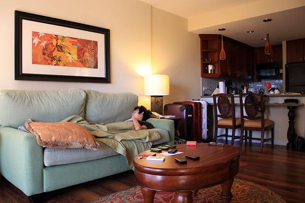 ハワイのコンドミニアムにあるようなソファを買った