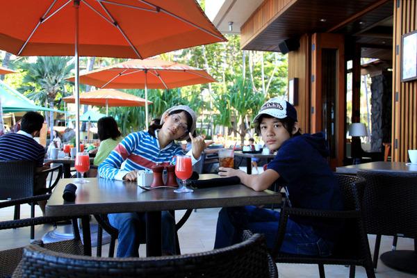 あのころハワイホテルのレストランで朝食 5