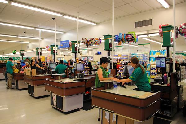 ハワイ ヒロのスーパーマーケット ガソリンの入れ方 6