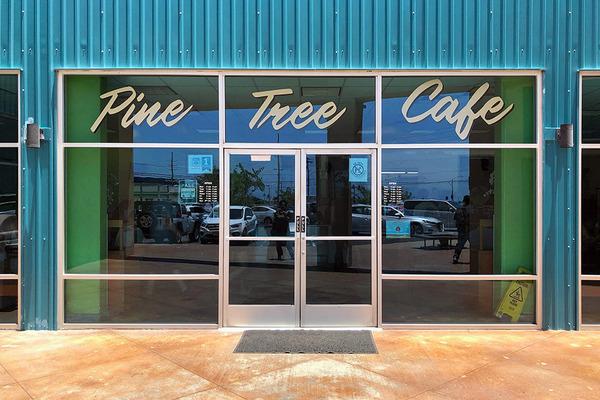 pinetreecafe1