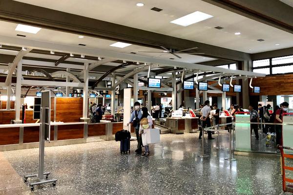 ホノルル空港 JALサクララウンジ本館  1