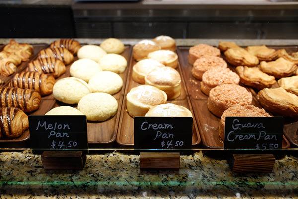 ハレクラニベーカリーの美味しいパンとケーキを全部見せます 3
