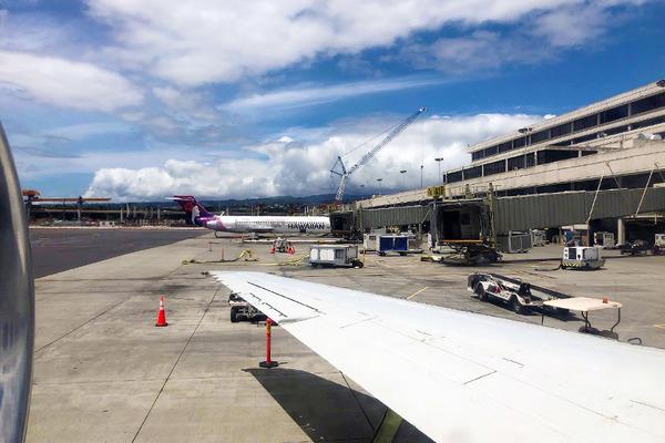 ハワイアン航空コナからホノルル インターアイランド便 8
