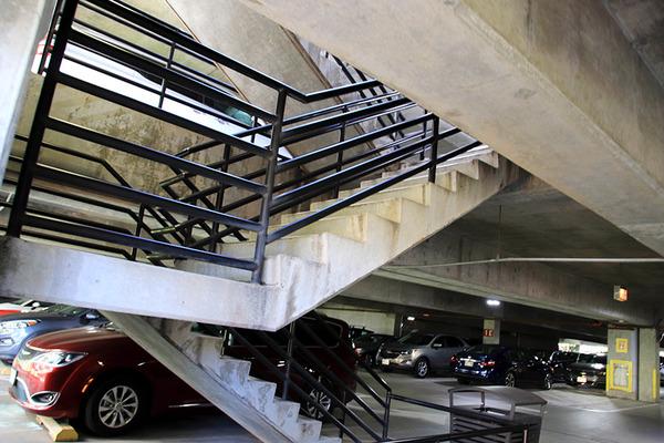 ヒルトンに泊まってハレコアの駐車場を利用する 4