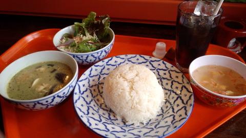 国分寺「熱帯アジア食堂 2階のぞうさん」