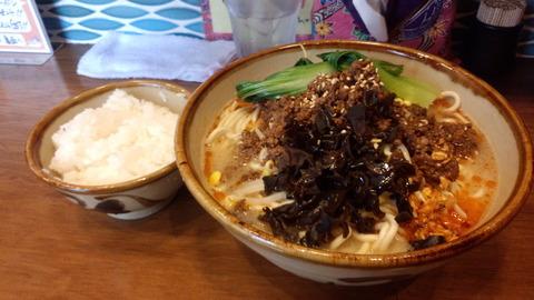立川「沖縄そば食堂 海辺のそば屋」
