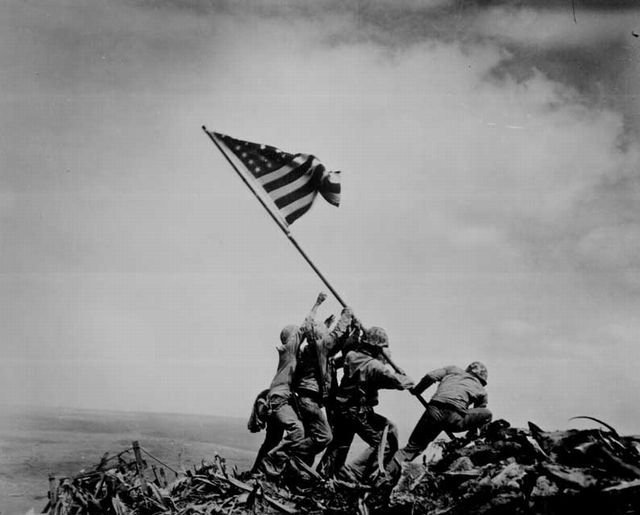 硫黄島の砂 1949年の作品で、監督はアラン・ドワン。太平洋戦争末期の硫黄島の戦い... 8月1