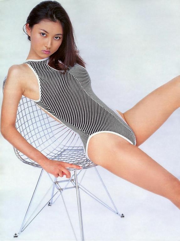 食い込むレオタード姿がセクシーな菊川怜の画像