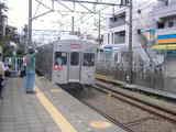 東横線8000系白楽駅2