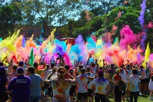 11es The Swisse Color Run Sydney Color Throw