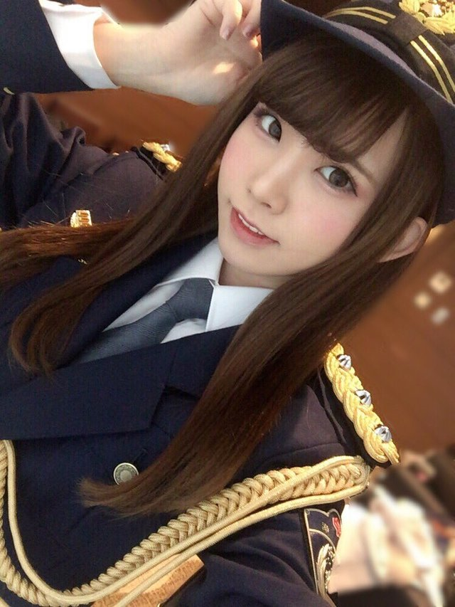 日本一のコスプレイヤーえなこさん23、千葉の幕張で一日警察署長を務める 可愛すぎ!