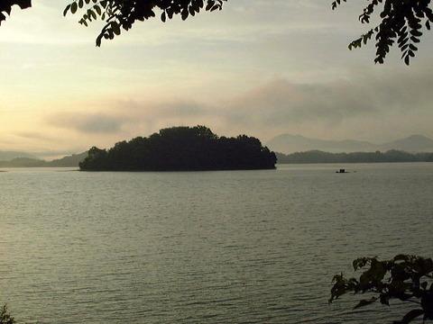 朝焼けの大島