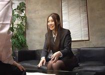 【SM】吉倉いずみ 不馴れな新人保険外交員の両手を縛ってイラマチオごっくん調教