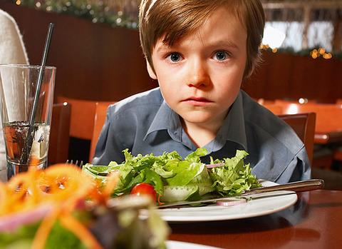 autistic-boy-restaurant