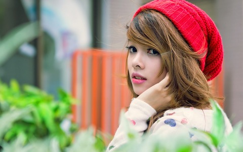 Cute-Girl-Red-Hat