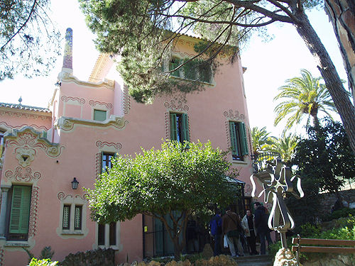 guell011