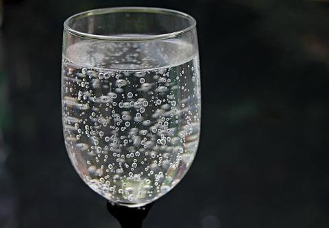 water-glass-2686973__340