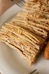 サルーウ・ブルマ。小麦のお菓子なのに、生地を感じないほど薄い。神業に近い!スィワス