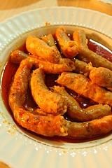 ムンバルは小腸にブルグルとお米、挽肉などを詰めて煮たもの。アドゥヤマン