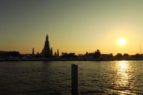 暁の塔夕日