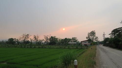 集落の夕焼け