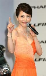 釈由美子(85cmEカップ)が3億6千万円セクシー衣装披露1