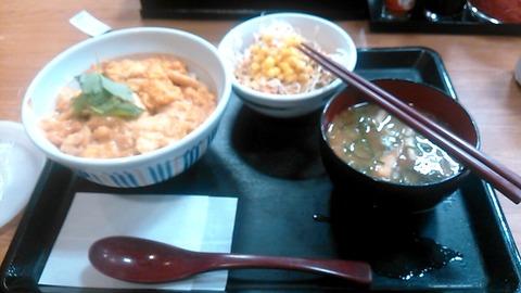 親子丼サラダセット@なか卯駒岡店