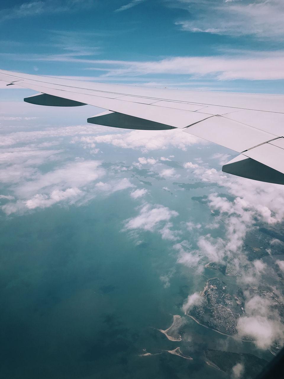 飛行機の中2
