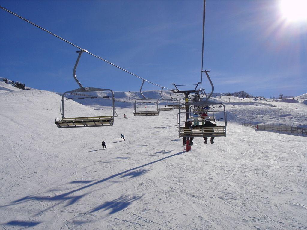 Kiwi Discovery - Ski, Cardrona McDougalls Chairlift
