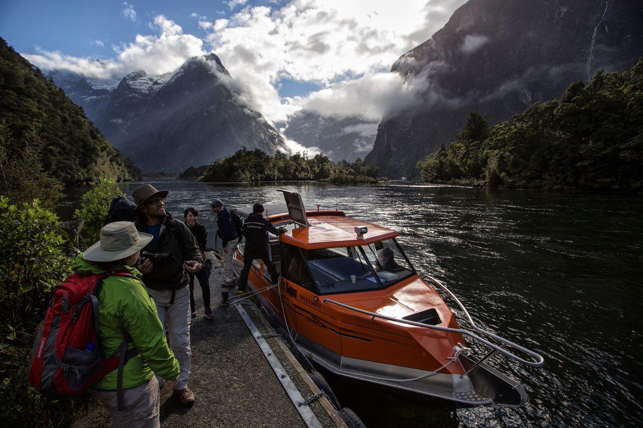MT-water taxi landing