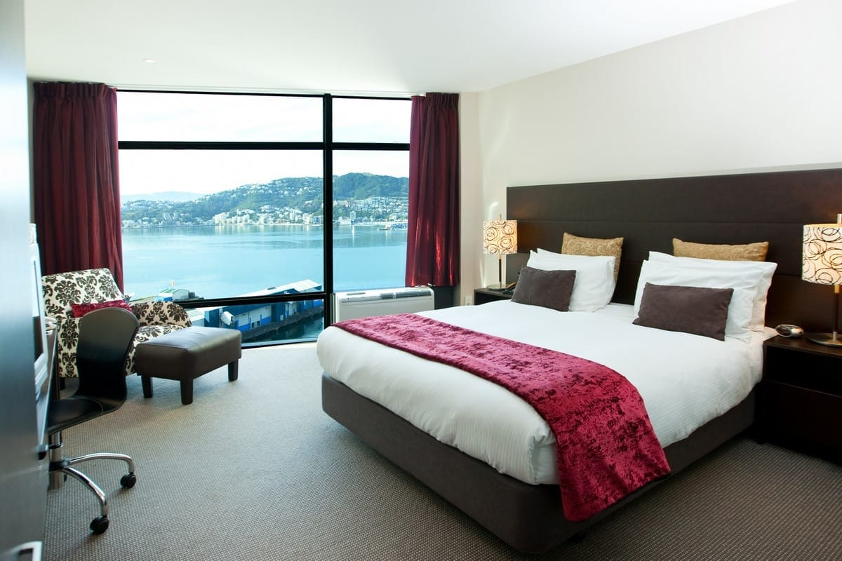 rydges-wellington-deluxe-king-harbour-view-hr