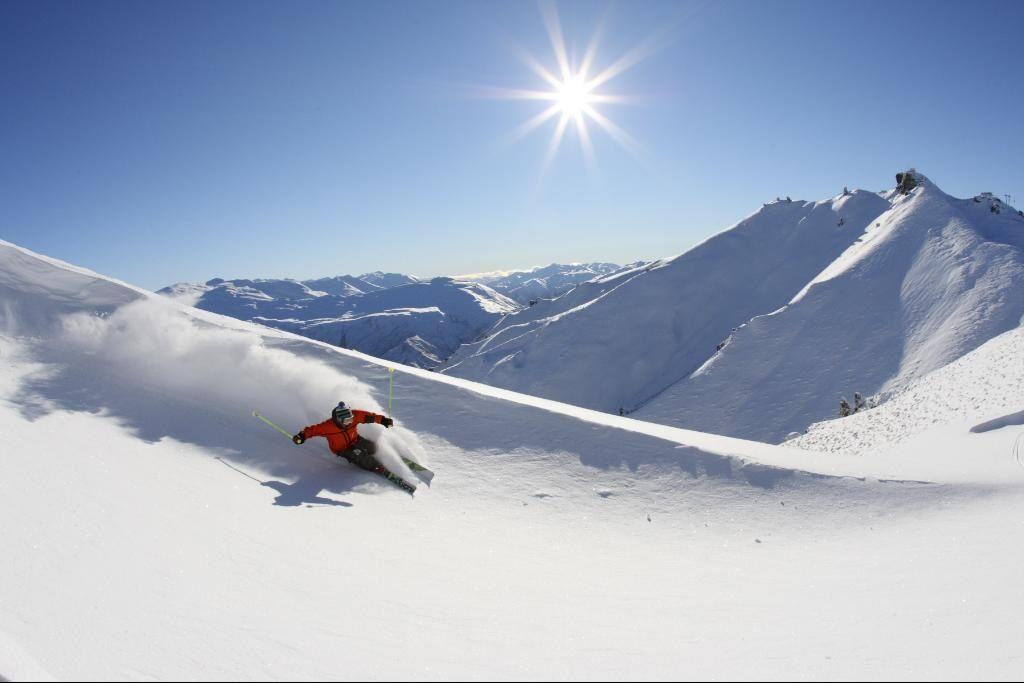 Kiwi Discovery - Ski, Coronet Powder