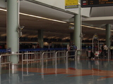 AKL空港チェックインカウンター付近