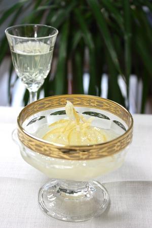 レモンのお酒のジュレ