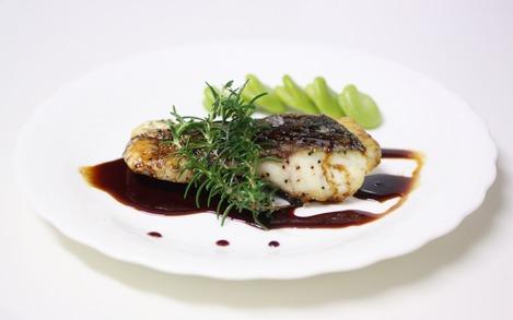 黒鯛のバルサミコ・ソース