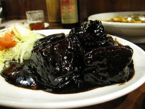 豚肉の黒酢煮込み