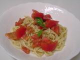 ペスト・ジェノベーゼとトマトの冷製パスタ