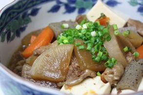 牛すじ肉とお野菜の煮込み